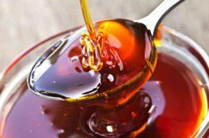 дягилевый мед в ложке