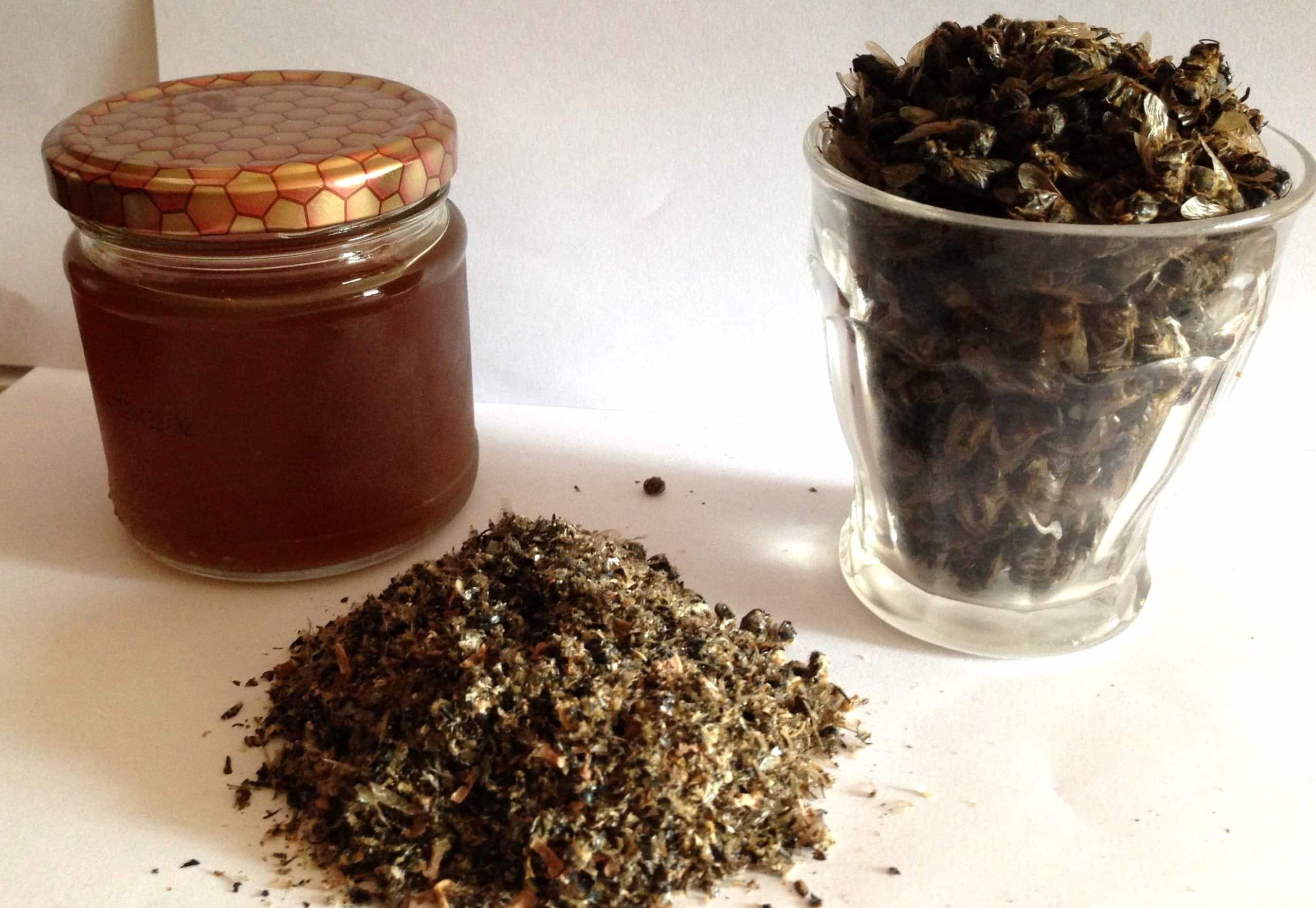 пчелиный подмор и мед