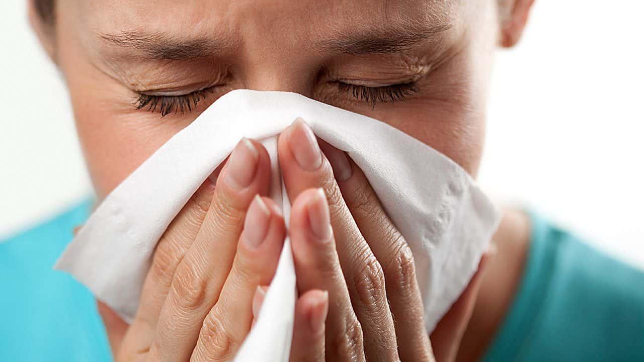 Аллергия на мед у взрослых и детей: симптомы, лечение, профилактика