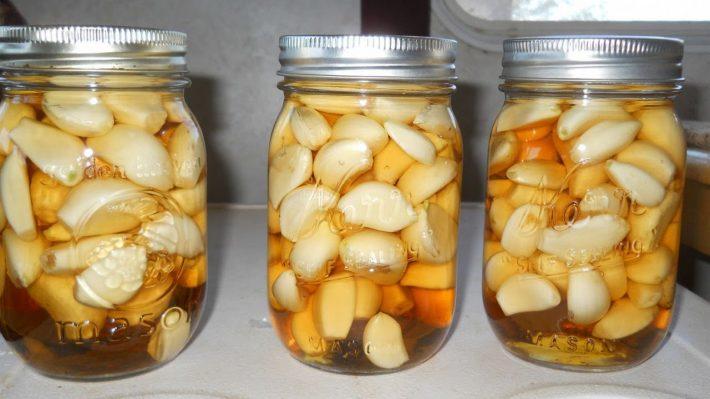 настойка с медом, чесноком и уксусом
