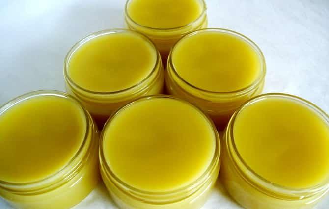 Мазь для лечения суставов на основе пчелиного воска: польза и рецепты